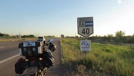 El gran viaje de la ruta 40 en moto de norte a sur: la octava etapa siguiendo los pasos de Darwin.
