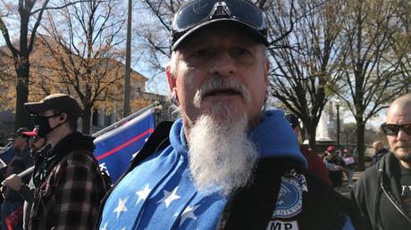 Jon Schaffer de Iceth Earth, entre los asaltantes del Capitolio y buscado por la policía