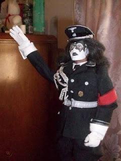 Ace Frehley: Kiss, nazis, Trump y UZIs