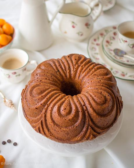 Bundt cake de kumquats y chips de chocolate