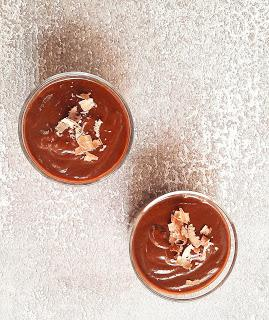 MOUSSE DE CHOCOLATE: 2 INGREDIENTES, 1MINUTO.