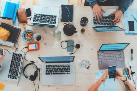 Cómo se adaptan los negocios a la digitalización