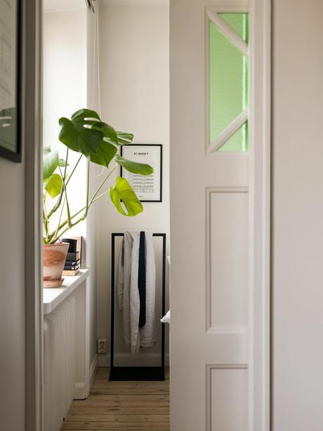 delikatissen tiny apartments decor studio apartment design student apartment decor scandinavian tiny piso moderno para chicos interior design for men ideas for small spaces studio design estudios nórdicos estilo nórdico escandinavo estilo moderno estilo escandinavo decorating ideas for tiny apartments decoración nórdica decoración natural decoración minipisos decoración masculina decoración interiores estudios decoración interiores Decor For Men decor for guys