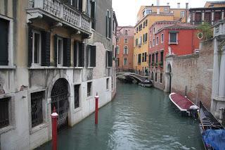 Marco Polo en la Venecia del siglo XXI en Todos somos sospechosos
