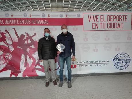 RECONOCIMIENTO A LOS CLUBES DEPORTIVOS DE DOS HERMANAS POR LA CAMPAÑA 'DEPORTE SOLIDARIO POR UN JUGUETE'