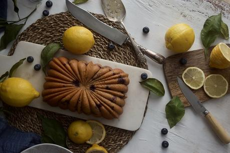 bizcocho-sencillo-de-limon-y-arandanos-con-yogur