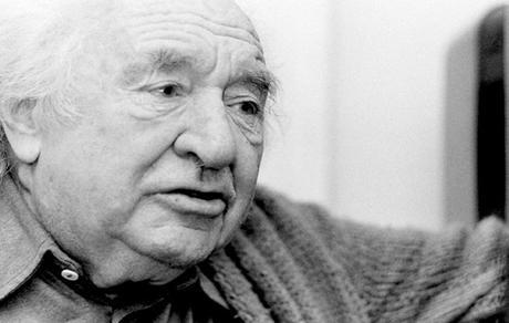 La poesía es un arma cargada de futuro. Gabriel Celaya.