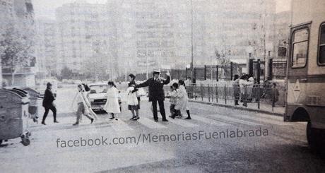 Cruzando la avenida Francisco Javier Sauquillo en 1987