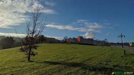Parque en el barrio de Villafría de Oviedo