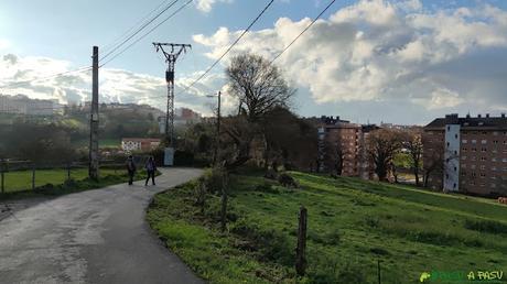 Entrando al barrio de Villafría de Oviedo