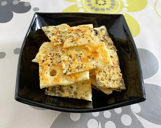 Crujientes de queso y orégano