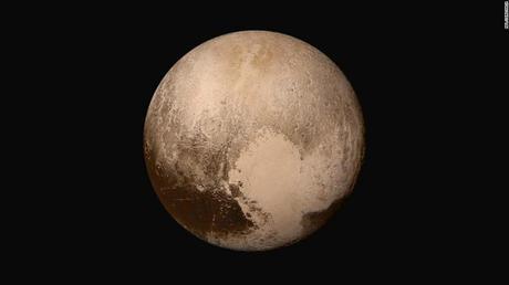 Este jueves tendremos a la Luna en el punto más alejado de la Tierra en su órbita, a Plutón de aniversario y al rover Perseverance de la NASA aterrizando en Marte