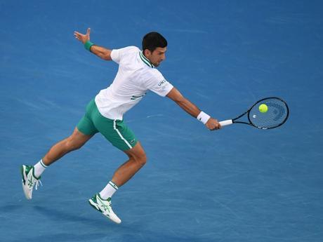 Djokovic y Osaka aseguran su pase a la final del Abierto de Australia