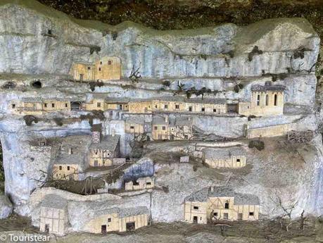 Qué ver en la Roque Saint-Christophe en Dordoña