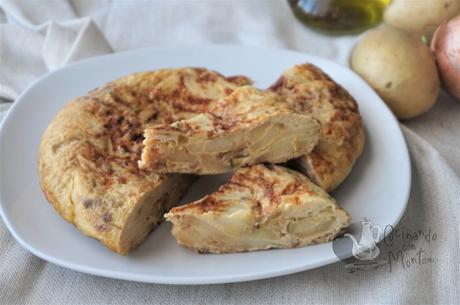 Tortilla de patata, cebolla y calabacín