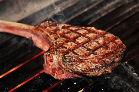 Tomahawk steak: Todo cobre el corte cowboy