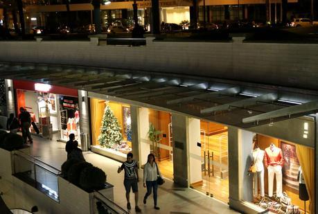 Nuevos aforos para los centros comerciales que abren desde hoy