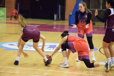 Galería de clics del Bàsquet Femení Sant Adrià-Lima Horta Bàsquet (Liga Femenina 2)