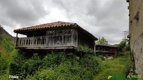 Hórreo en Tiblós, Belmonte
