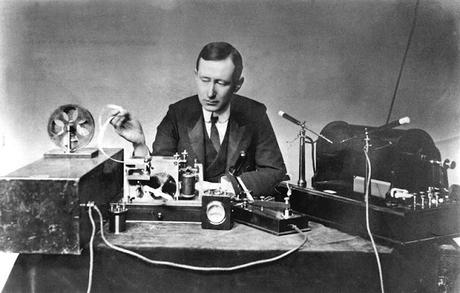 LOS MEDIOS DE COMUNICACIÓN EN LA SEGUNDA FASE DE LA REVOLUCIÓN INDUSTRIAL (III):¿QUIÉN INVENTÓ REALMENTE LA RADIO?