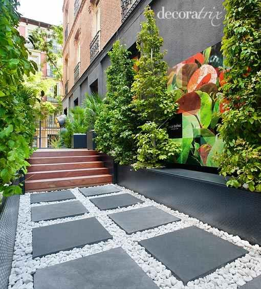Trabajo de carteleria en gran formato para entrada for Jardin entrada casa