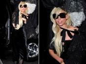 Lady Gaga asombrosa mantilla encaje