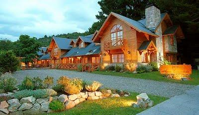 Fachadas rusticas en patagonia paperblog for Fachadas hoteles minimalistas