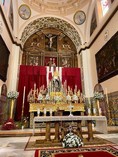 Un ratito de oración en San Lorenzo con la Soledad.
