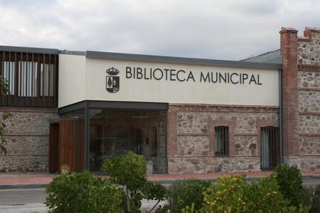 ¿Cambiará el nombre de la Biblioteca Municipal Alfonso Ussía de Villa del Prado?