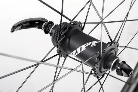 Zipp 454 NSW las ruedas de perfil que soportan viento lateral