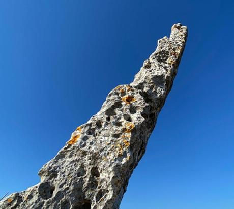 Menhir de Canto Hito