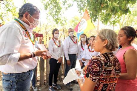 Octavio Pedroza es el primer candidato en Las Víboras