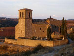 Angón y su peculiar iglesia