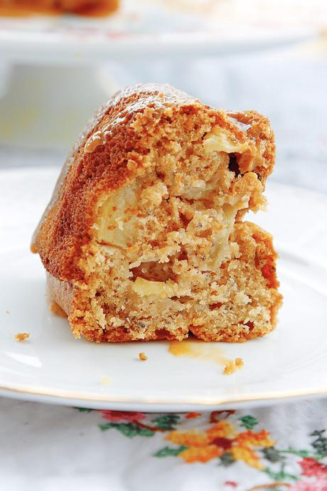 BUNDT CAKE DE MANZANA Y CHIA