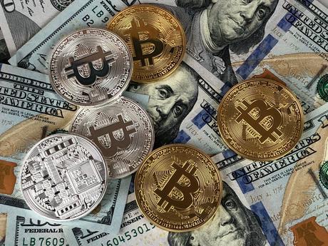 Monedas Redondas De Plata Y Oro