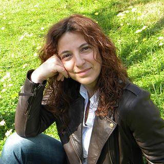 Reseña | Huérfanos de sombra ~ María Suré