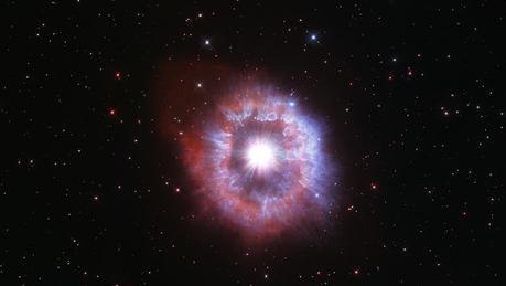 #Nasa: El Hubble capta una impresionante imagen de una rara estrella al borde de la destrucción para celebrar sus 31 años en el espacio