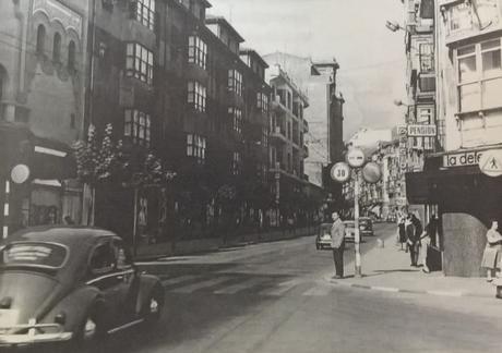 1968:la Calle Burgos,antiguo Camino Real, (con tráfico rodado)