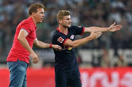 Nagelsmann played for augsburg and 1860 munich at youth level. Zo speelt het RB Leipzig van Julian Nagelsmann - Voetbal ...