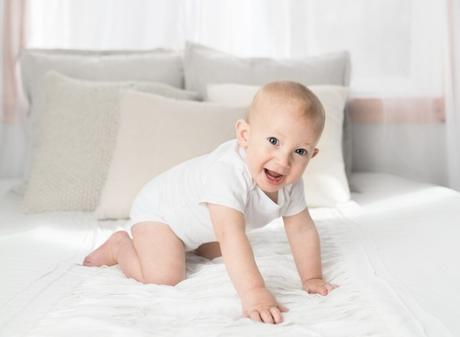 Porqué un bebé tiene más huesos