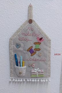 MI MAQUINA DE COSER YA TIENE FUNDA + CARTELITO