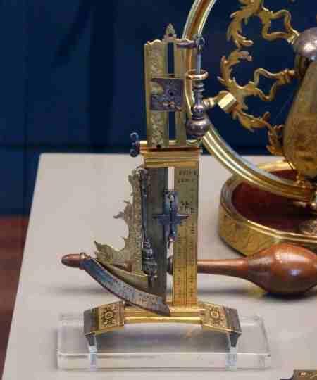 Instrumentos y accesorios del Lázaro Galdiano en Madrid