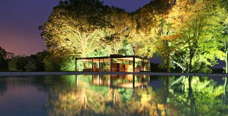 Glass-House-exterior-Philip-Johnson-New-Canaan-Connecticut
