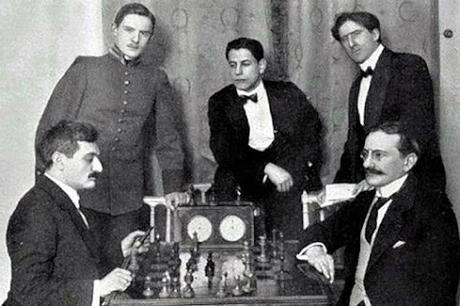 Lasker, Capablanca y Alekhine o ganar en tiempos revueltos (29)