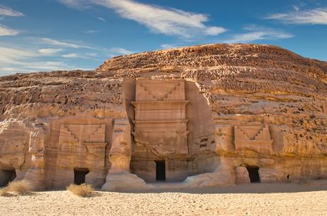 hegra-archaeological-site-tourism-saudi-arabia-3