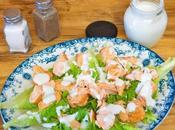 Ensalada salmon salsa queso azul