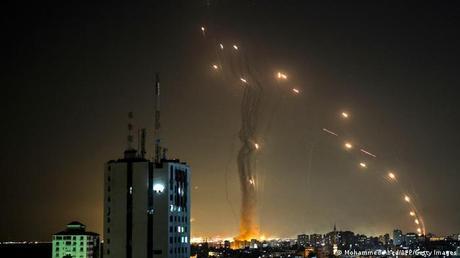"""El """"seguro de vida"""" de Israel: qué es y cómo funciona el escudo antimisiles de la """"cúpula de hierro"""""""
