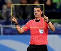 Es tan evidente que los árbitros se siguen equivocando ... by Mark de Zabaleta