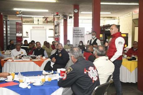 Enrique Galindo promete dar verdadero apoyo a los bomberos