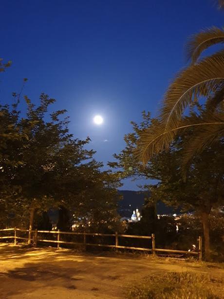 Alcoy bajo la luna llena de Mayo